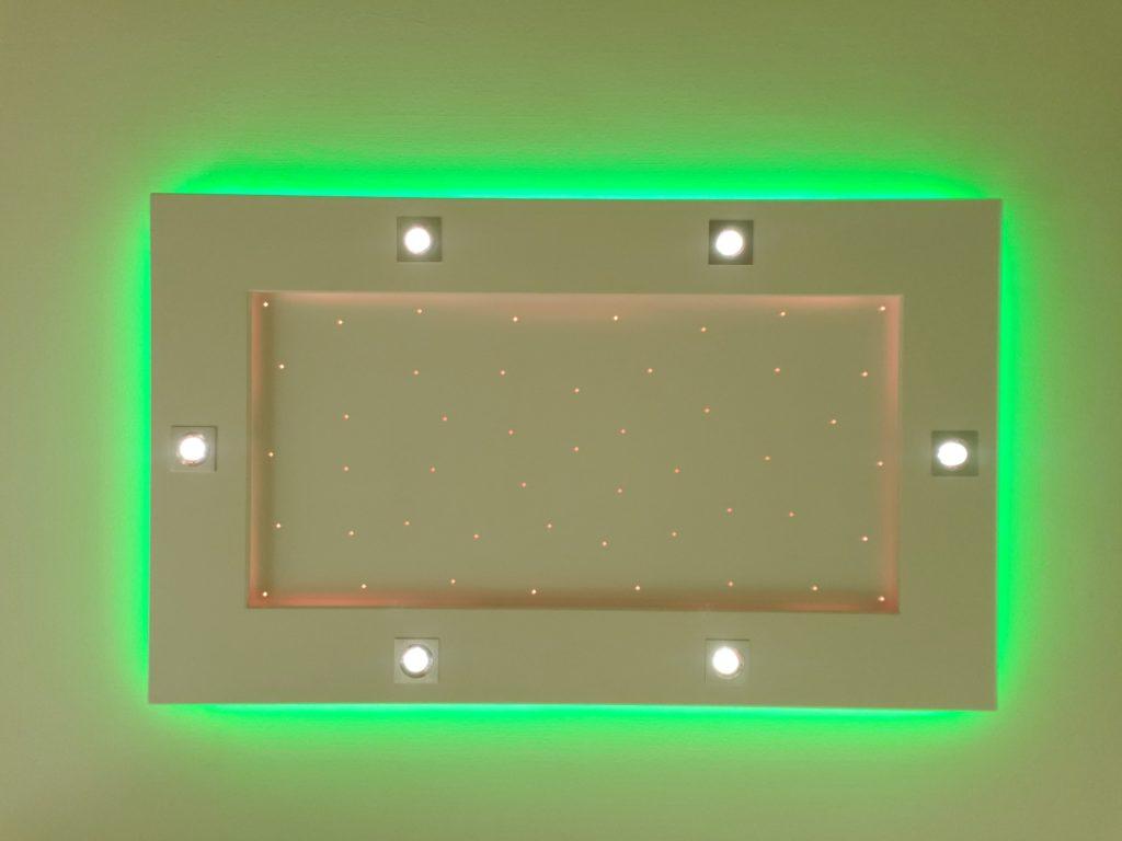 plafonnier lumière vert pétant